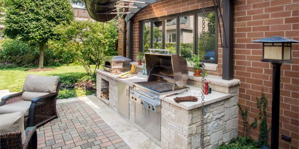 small-outdoor-kitchenFB